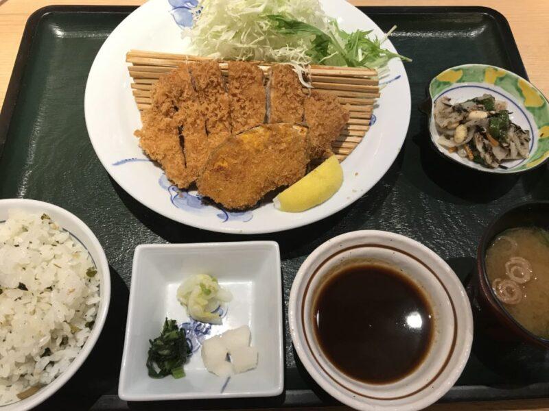 岡山上中野『とんかつ牛かつふく徳』豚ロースカツ定食と食べ放題ランチ!