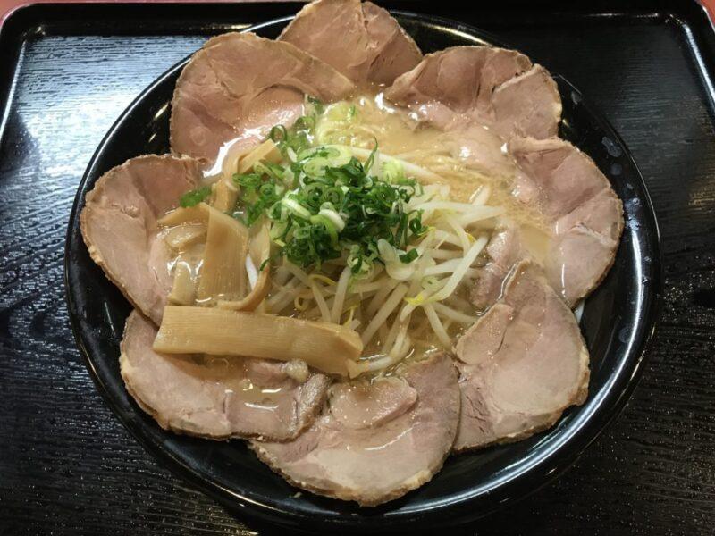 岡山野田『ラーメンふー太』醤油とんこつチャーシュー麺にデカ盛りメニュー!
