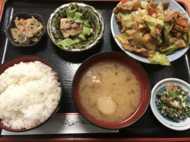 岡山野田屋町『百福食堂』元給食のおばちゃんの日替わり定食とお好み焼き!
