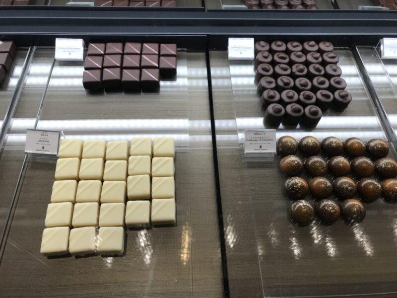 大阪梅田 リッツカールトングルメショップ ホテルのパンとケーキが買える