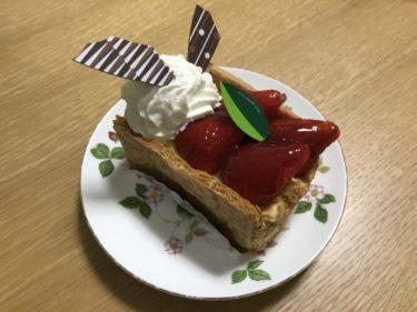 岡山中仙道『シャルロット』激ウマの苺ミルフィーユとレアチーズケーキ!