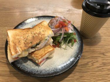 倉敷川入『QINOCO(キノコ)』ホットサンドとカフェラテの朝食モーニング!