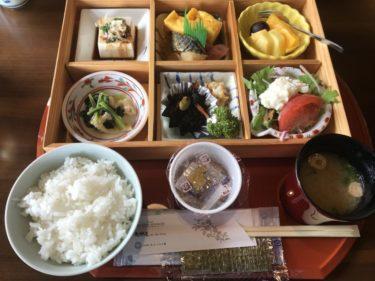 岡山の宿場町『矢掛屋』食べ放題ビュッフェじゃない温泉旅館の朝食もイイ!