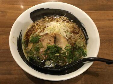 倉敷阿知『鶏そば平まる』鶏と豚チャーシューに細麺と平麺で悩むラーメン!
