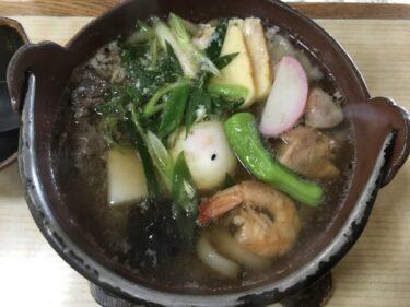 倉敷水島『古狸庵』具材たっぷり鍋焼きうどんといなり寿司のうどん定食!
